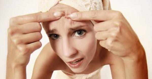 Как устранить черные точки на лице