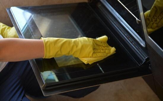 Как можно быстро и очень просто очистить кухонную плиту