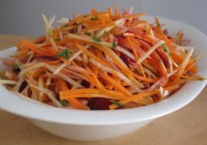 Салат из яблок с морковью