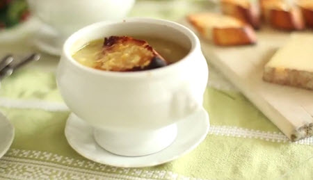 Рецепт знаменитого французского лукового супа