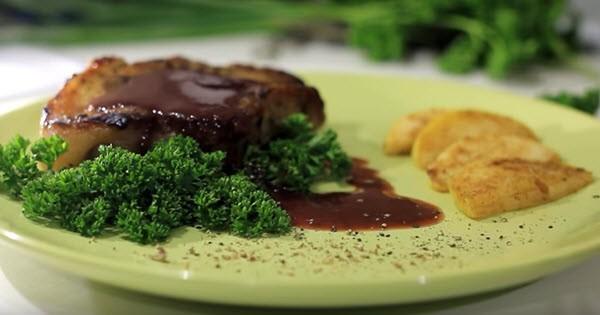 Как приготовить мясо свинины. 3 рецепта (стейки, шейка, запеченное мясо)