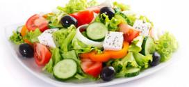 Два рецепта низкокалорийных салатов с оливками