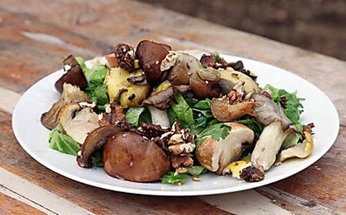 Грибной салатик с использованием оливок