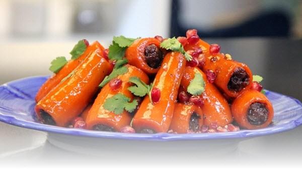 Рецепты с морковью: Морковный суп с сосисками, Морковный пирог