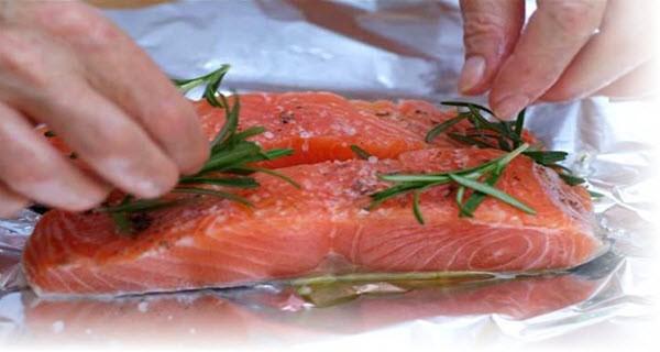 Как вкусно запечь красную рыбу в духовке