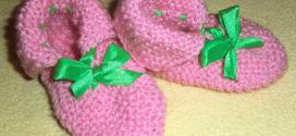 Детские пинетки: личный опыт по вязанию одежды спицами
