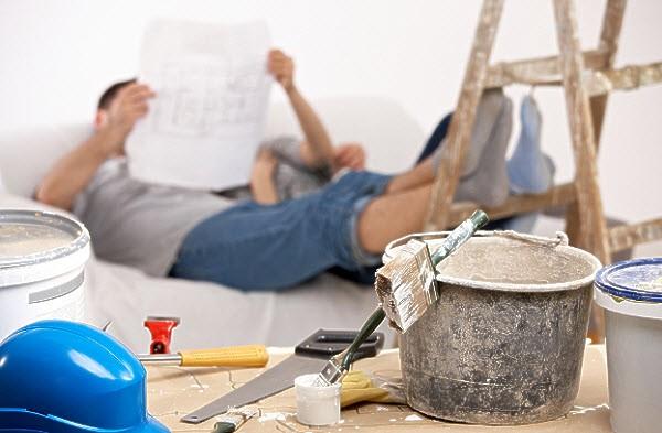 Ремонт квартиры: делаем самостоятельно или нанимаем мастера?