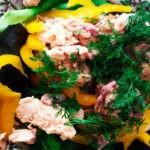 Салат с запеченной горбушей правильного питания