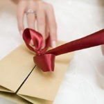 Какие подарки не стоит дарить молодым на свадьбу.