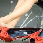 Как сделать жесткую обувь мягкой и комфортной
